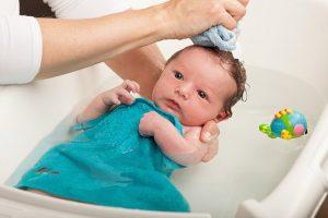 Chăm sóc da bé khỏe mạnh với những mẹo hữu ích
